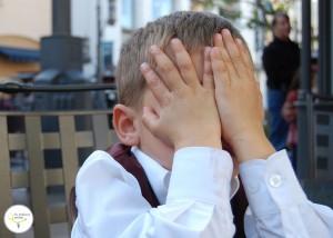 accidentes en niños, bebes, golpes en las uñas niños, manchas blancas en uñas niños, mi hijo tiene una mancha blanca en las uñas, niños