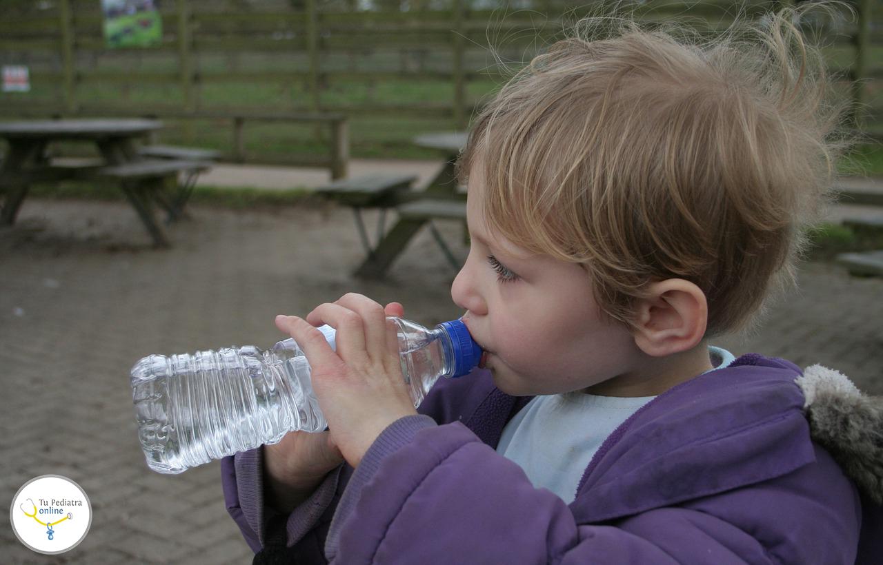 Agua de grifo o embotellada para los ni os y beb s consultas frecuentes tu pediatra online - Agua del grifo o embotellada ...