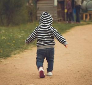 cojera en niños, tenosinovitis transitoria de cadera en niños, inflamación de la cadera en niños