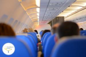 amamantar-en-el-avión-bebé-con-dolor-de-oídos-al-volar-bebé-que-llora-en-el-avión-consejos-para-volar-con-bebés-cuándo-puede-volar-un-bebé-DNI-para-bebés-