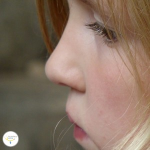 caídas niños, causas hemorragia nasal niños, causas sangrado nasal, causas de sangrar por la nariz, detener hemorragia nasal, detener sangrado nariz, epistaxis en niños,