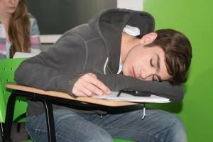 síntomas diurnos insomnio adolescentes