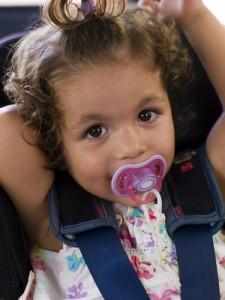 sillita coche niños, como elegir silla coche niños, seguridad en las sillas de niños y bebes, cualidades silla coche en niños y bebes